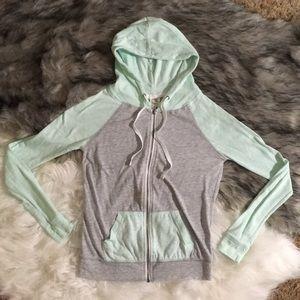 Zine Zip-up Sweater